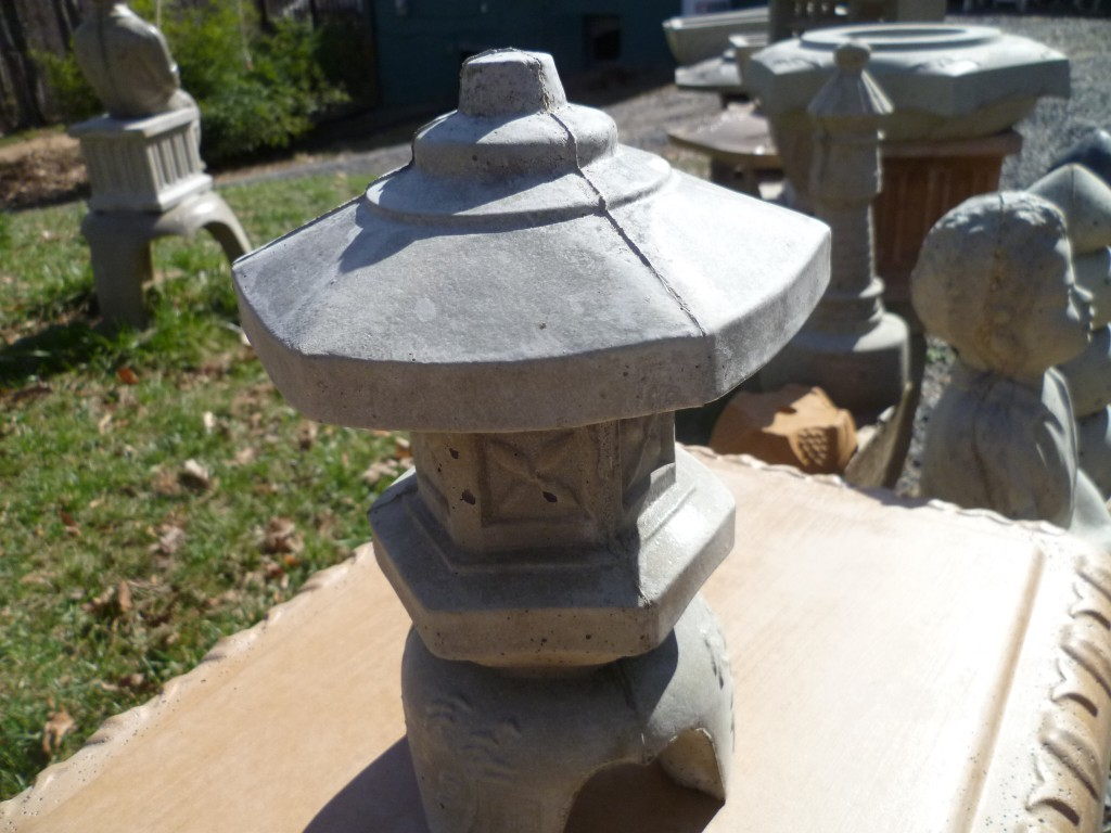mini_concrete_lantern
